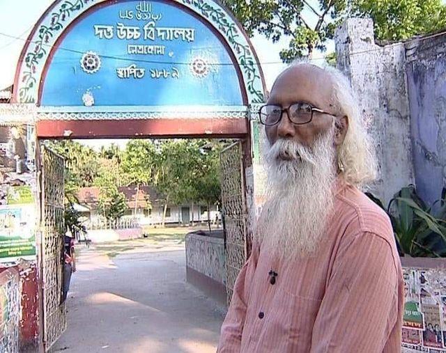 নির্মলেন্দু গুণ কবিদের কবি